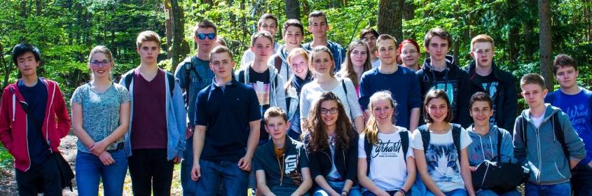 Gruppenfoto aller Schüler