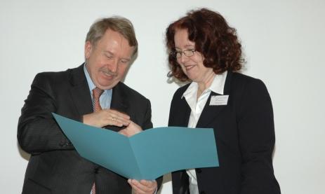 Übergabe OES-Zertifikat