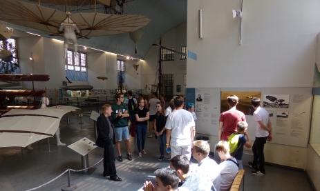 """Der Physikkurs der Jahrgangsstufe 1 des TG-Schwenningen bei der """"Fliegerei"""" des Deutschen Museums"""