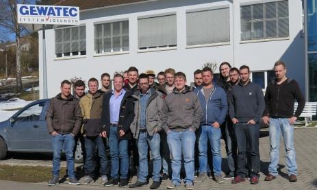 Klasse FIM (angehende Industriemeister Metall) besuchen das Unternehmen GEWATEC.