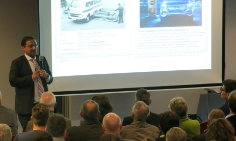 Dr. Corrado Nizzola, Leiter der Entwicklungsabteilung für Elektro- und Hybridmotoren der Daimler AG, Stuttgart, referiert zum Thema: Elektromobilität, die Revolution 5.0?