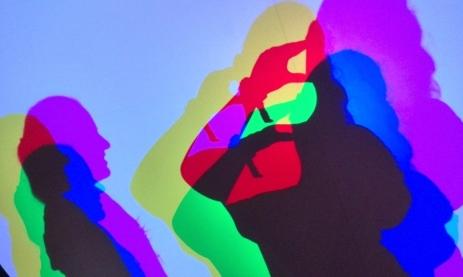 Schatten-Farbspiele