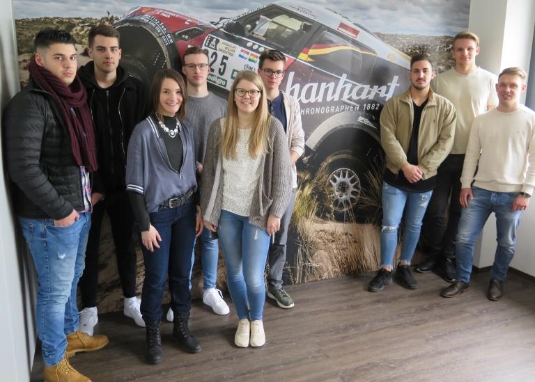 Uhrmacherschüler im 3. Lehrjahr besuchen den Stoppuhren-Hersteller Hanhart in Gütenbach