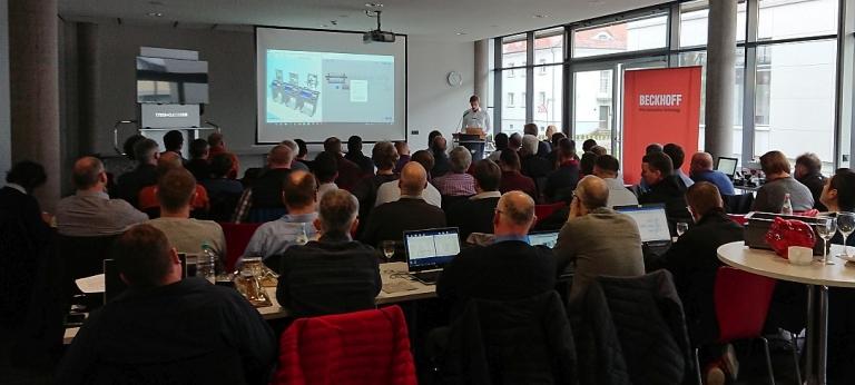 Die Industrielle Revolution I4.0 mit den Entwicklungstendenzen in der Automatisierungstechnik war das Thema einer Tagung an der Feintechnikschule in VS-Schwenningen. Firmenvertreter und Lehrer aus Baden-Württemberg kamen zu diversen Aspekten in Kontakt.