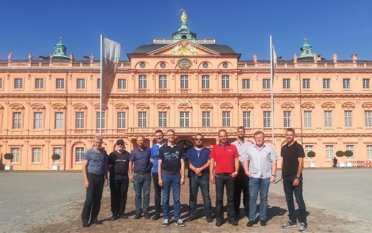 Arbeitsgruppe I4.0 der FTS vor dem Schloss Rastatt