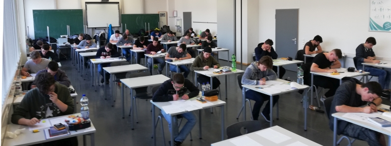 Abiturprüfung Informationstechnik/Mechatronik