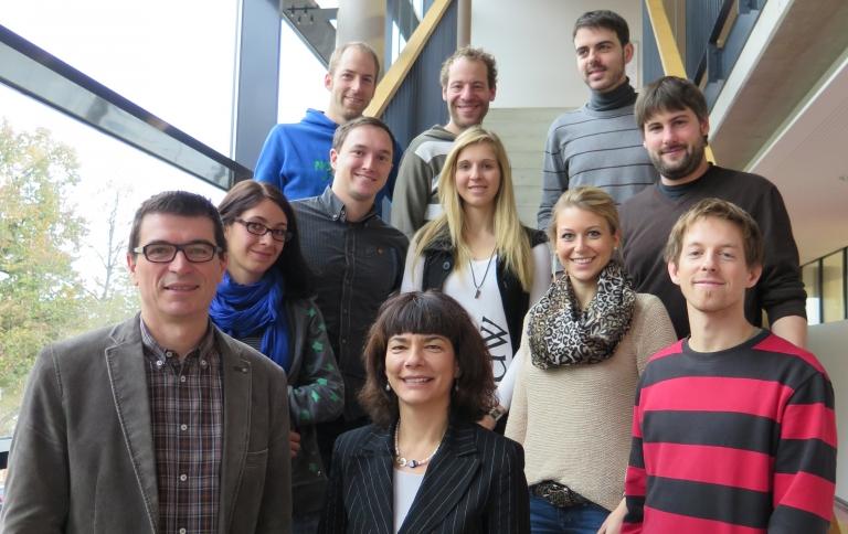 Schulleiter Thomas Ettwein mit Bereichsleiterin Antje Kaz (von links) und 9 Referendare