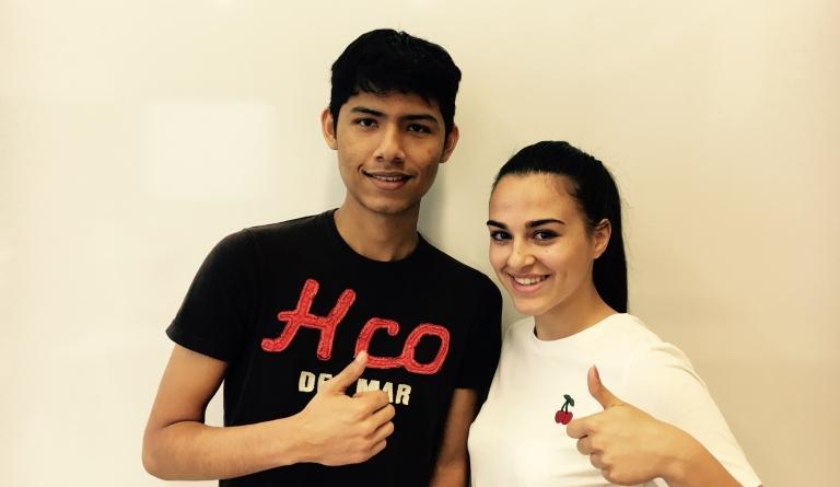 Simona Mentone und Daniel Cruz Rivas aus unserer VABA sind sehr stolz, das B2-Niveau erreicht zu haben.